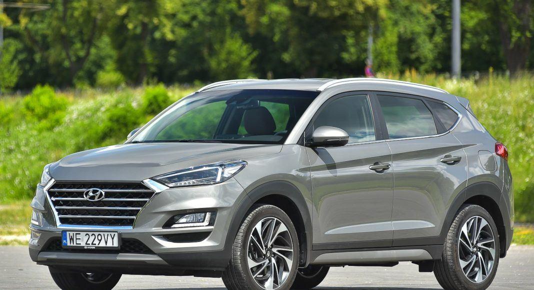Hyundai Tucson – bok z przodu