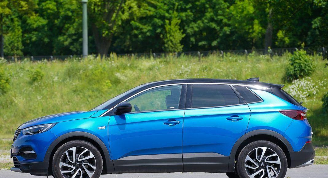 Opel Grandland X – bok