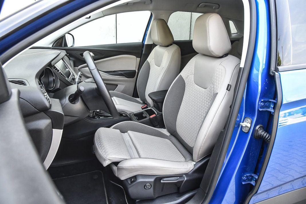 Opel Grandland X – fotele z przodu