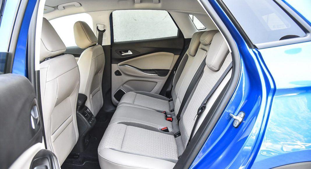 Opel Grandland X – fotele z tyłu