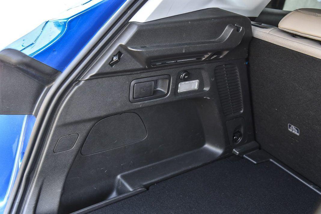 Opel Grandland X – ułatwienia w bagażniku