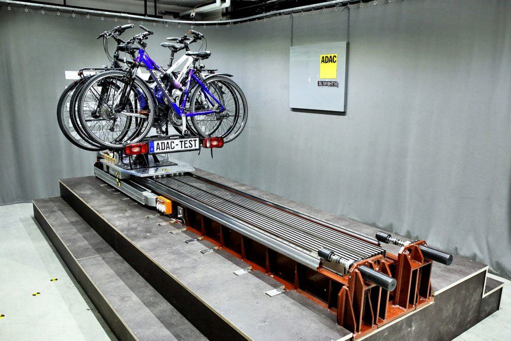 Test bagażników rowerowych ADAC