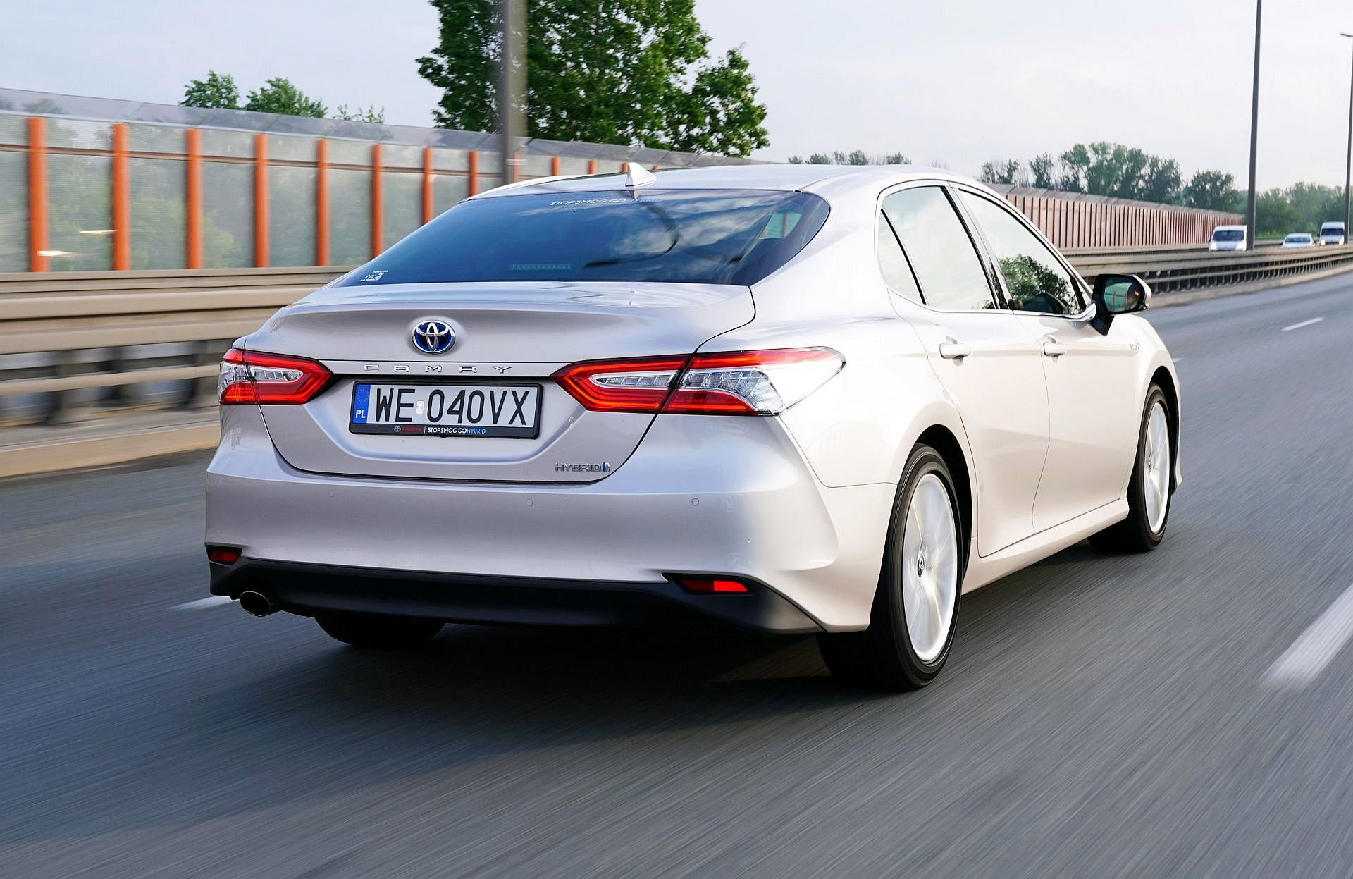 TOYOTA Camry VIII Hybrid Executive 2.5 Dynamic Force 218KM AT e-CVT FWD WE040VX 05-2019