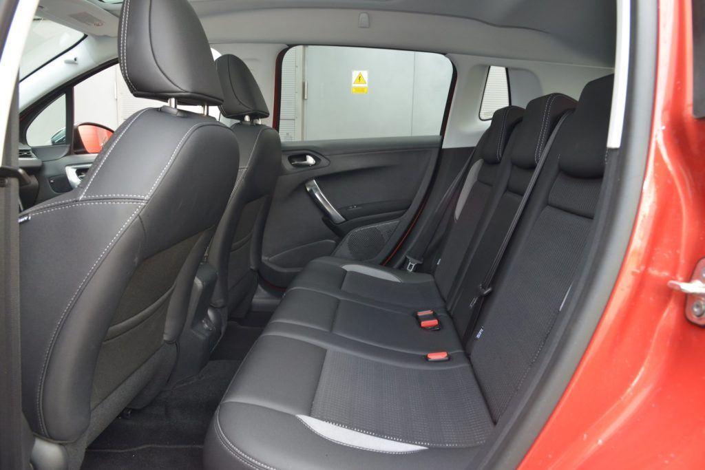 Używany Peugeot 2008 - kanapa
