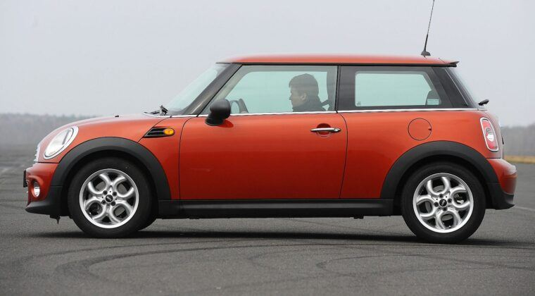 Mini - hatchback 3d (R56)