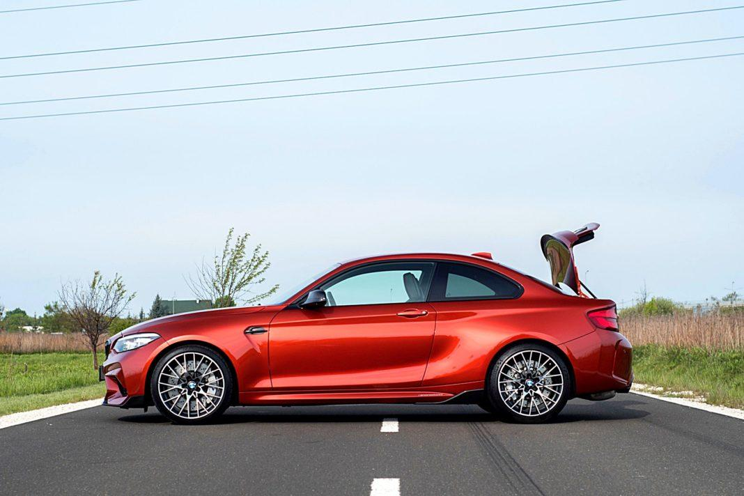 BMW M2 Competition – bok