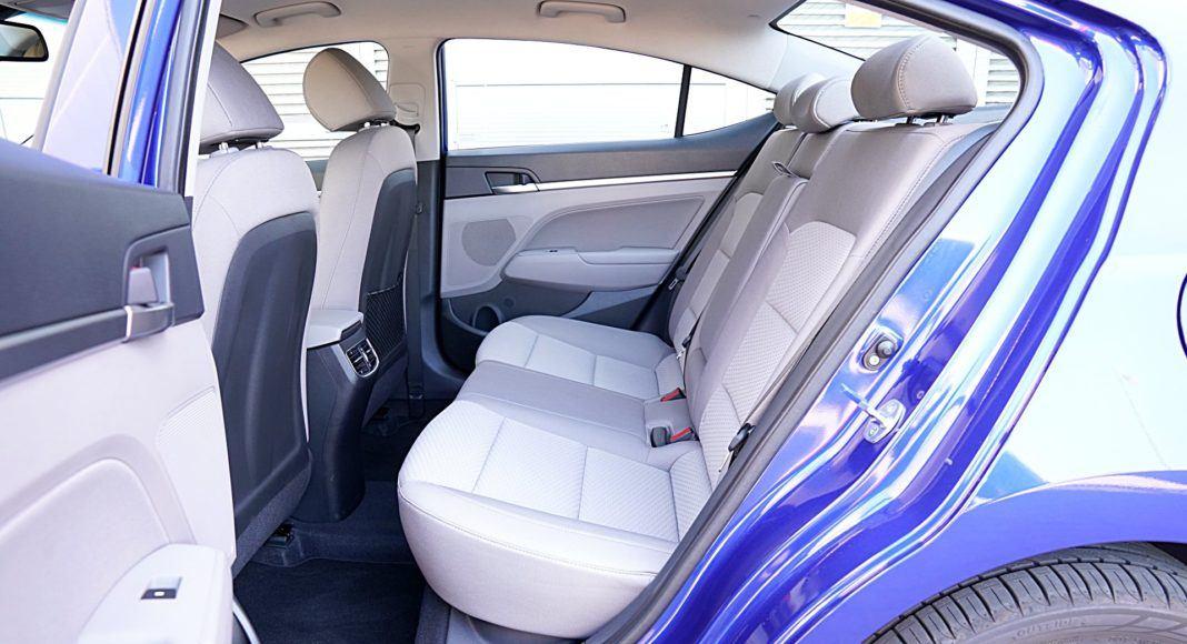 Hyundai Elantra – kanapa