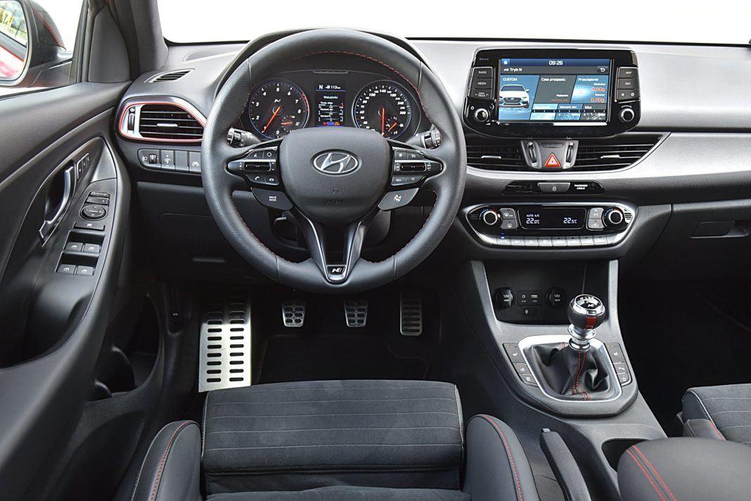 Hyundai i30 N Fastback – deska rozdzielcza