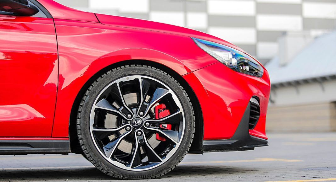 Hyundai i30 N Fastback – koła i hamulce