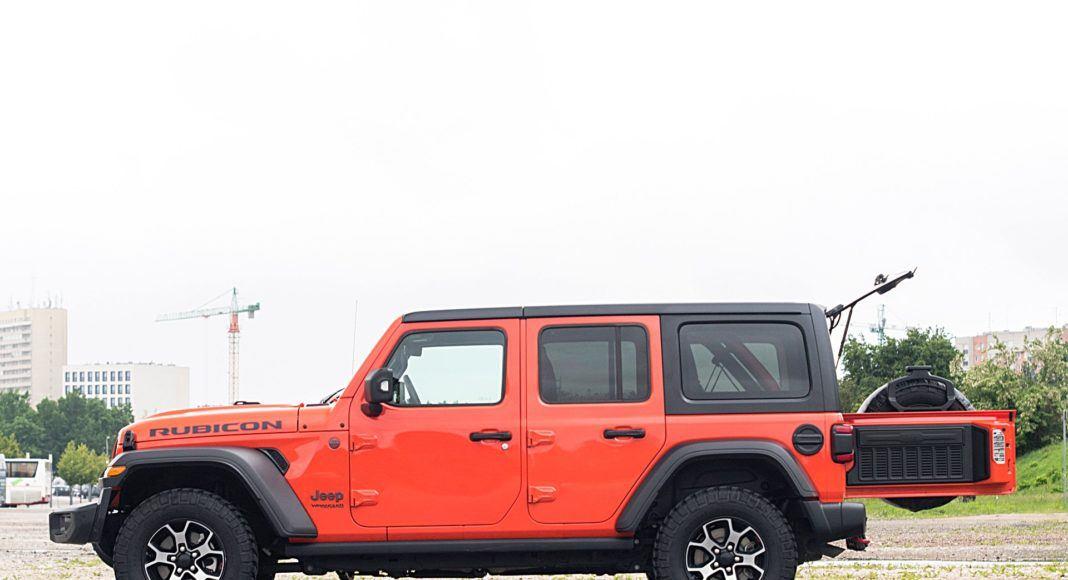 Jeep Wrangler Unlimited – bok bagażnik