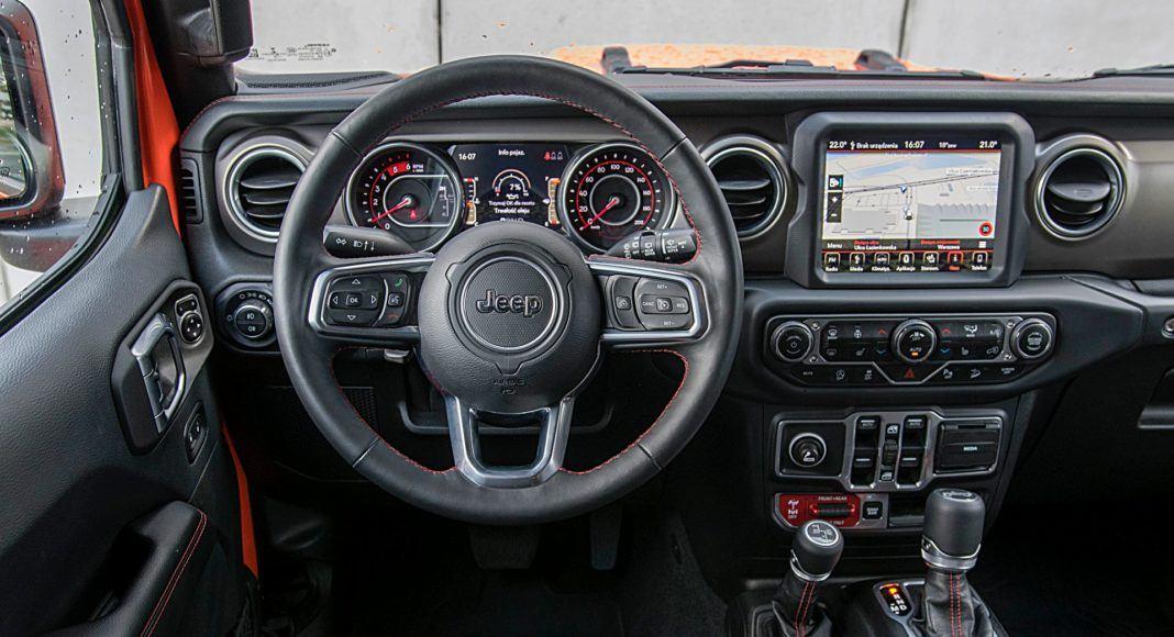 Jeep Wrangler Unlimited – deska rozdzielcza
