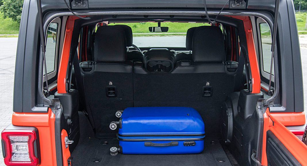 Jeep Wrangler Unlimited – bagażnik