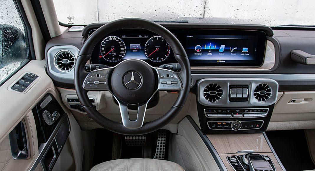 Mercedes G 500 – deska rozdzielcza