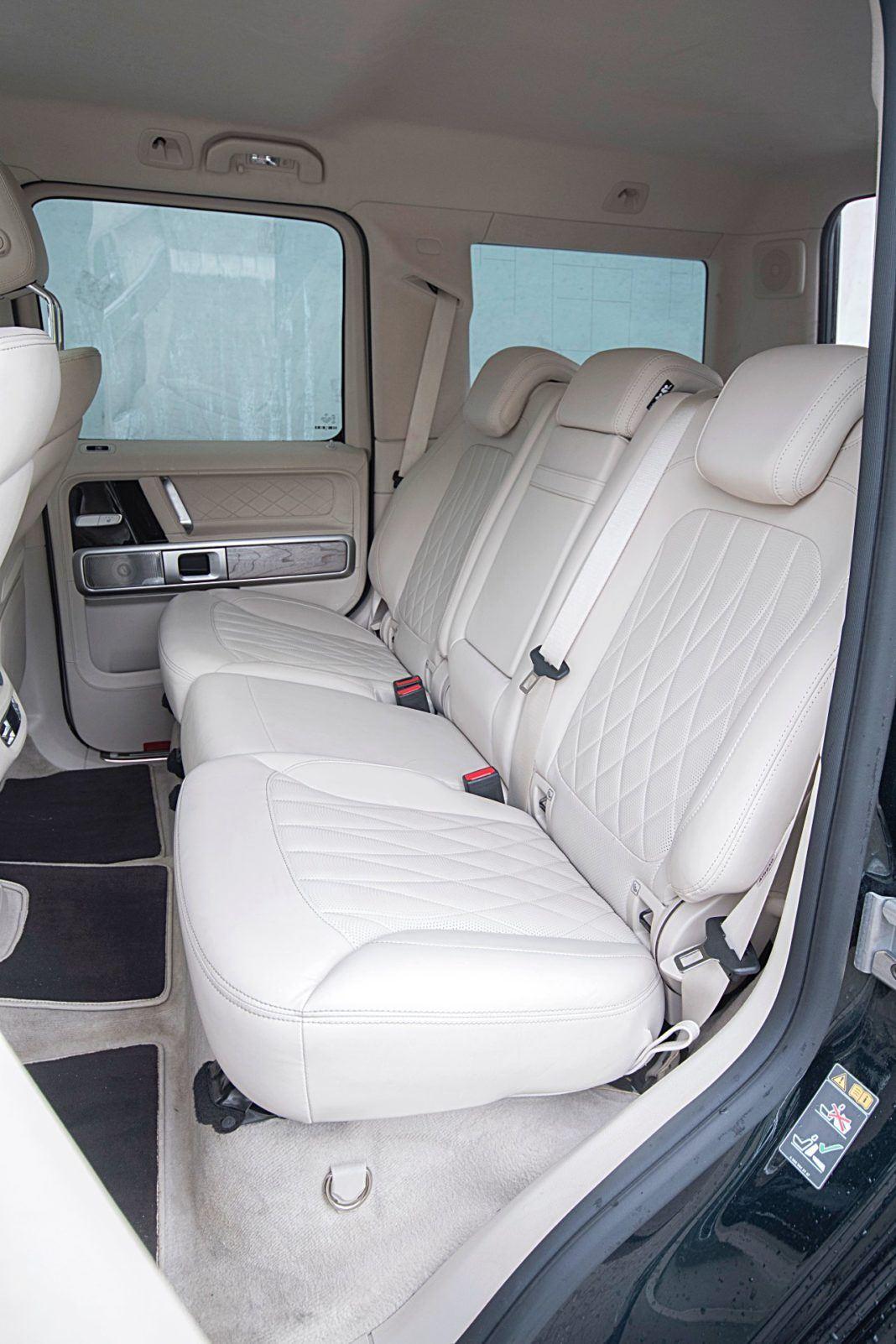 Mercedes G 500 – fotele z tyłu