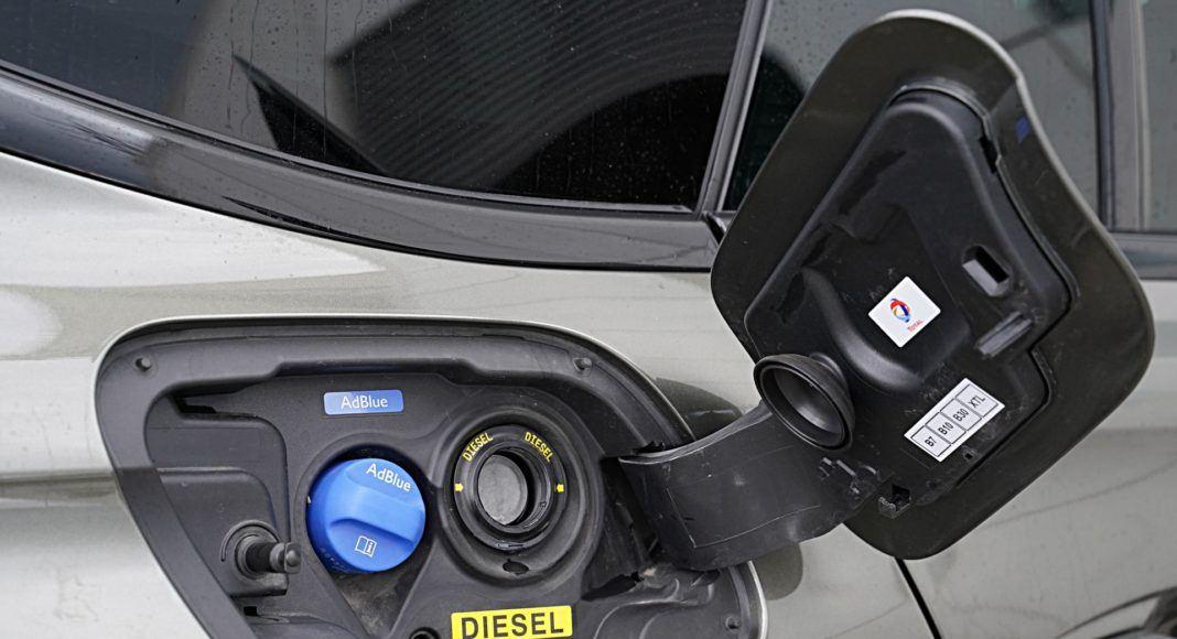 Peugeot 508 SW – wlew paliwa