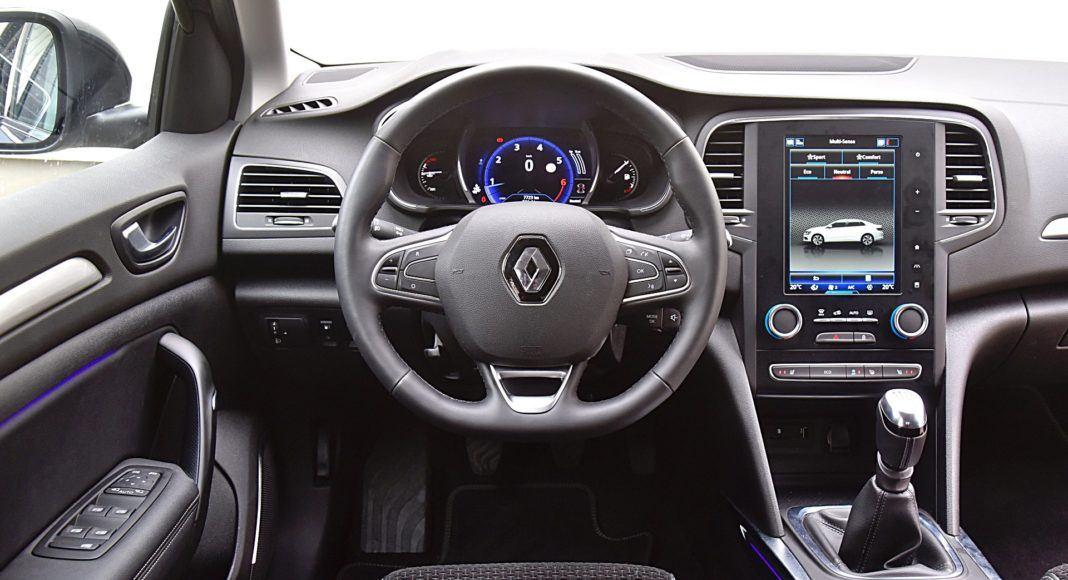 Renault Megane GrandCoupe – deska rozdzielcza