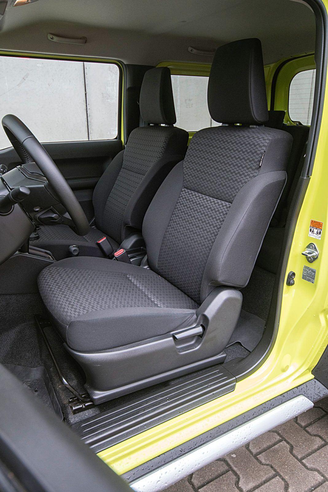 Suzuki Jimny – fotele