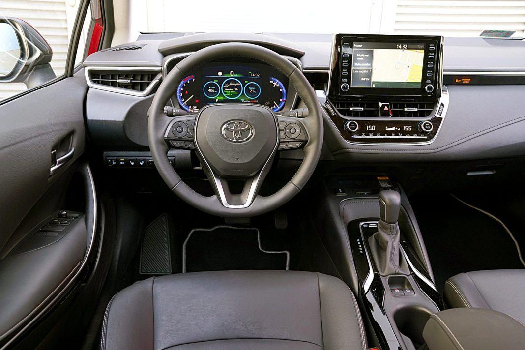 Toyota Corolla Hybrid –deska rozdzielcza