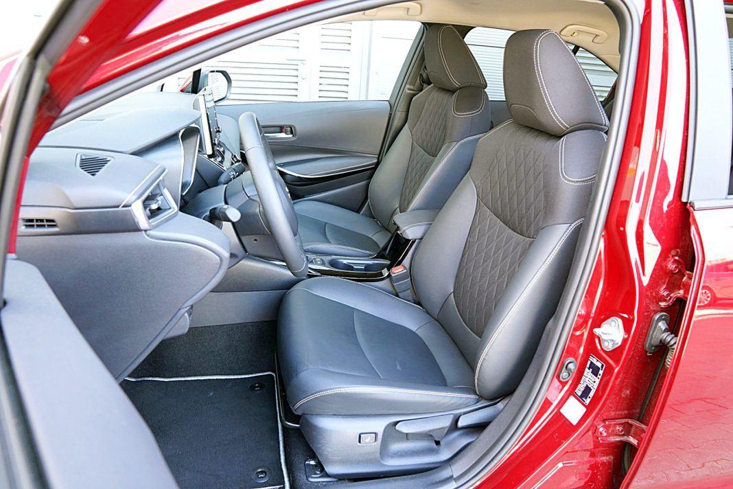 Toyota Corolla Hybrid – fotele