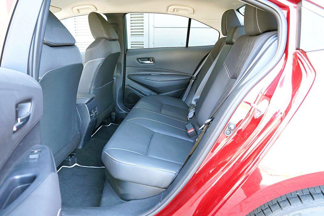 Toyota Corolla Hybrid – kanapa