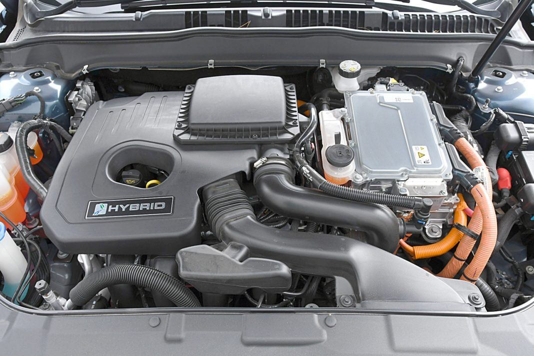 Ford Mondeo Kombi Hybrid – silnik