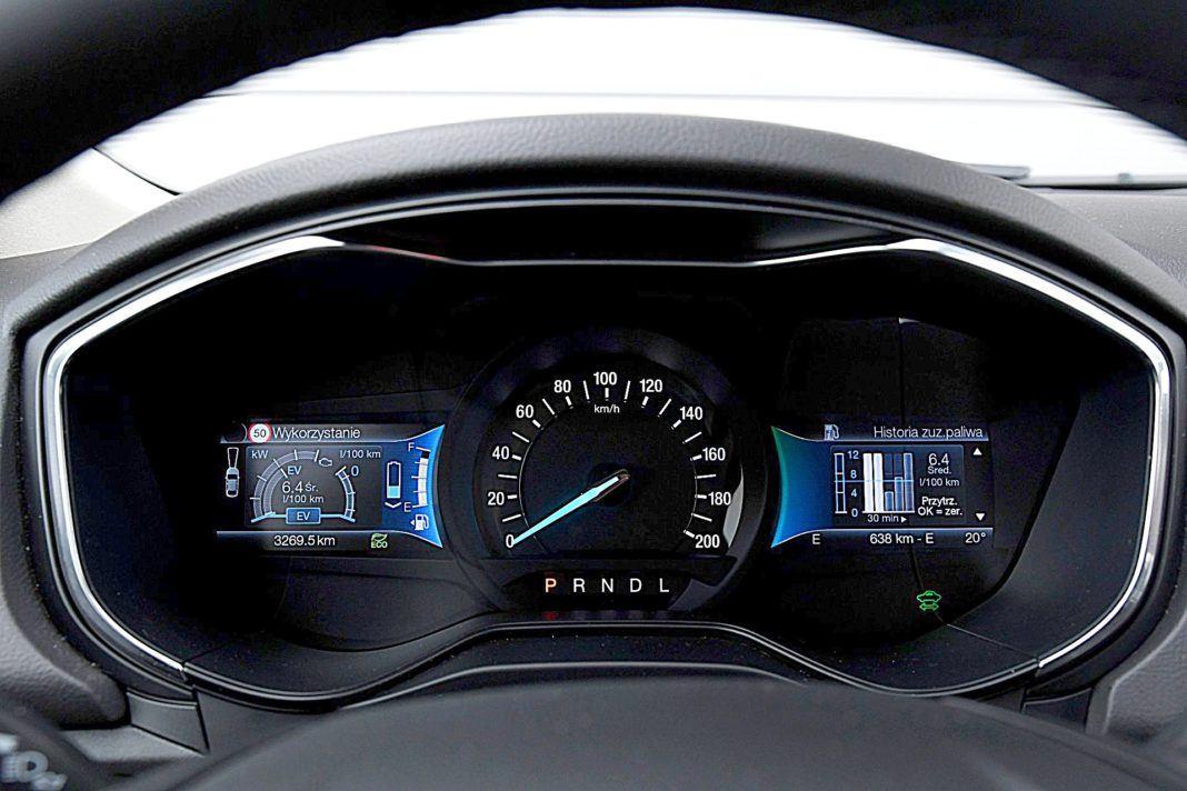Ford Mondeo Kombi Hybrid – wskaźniki
