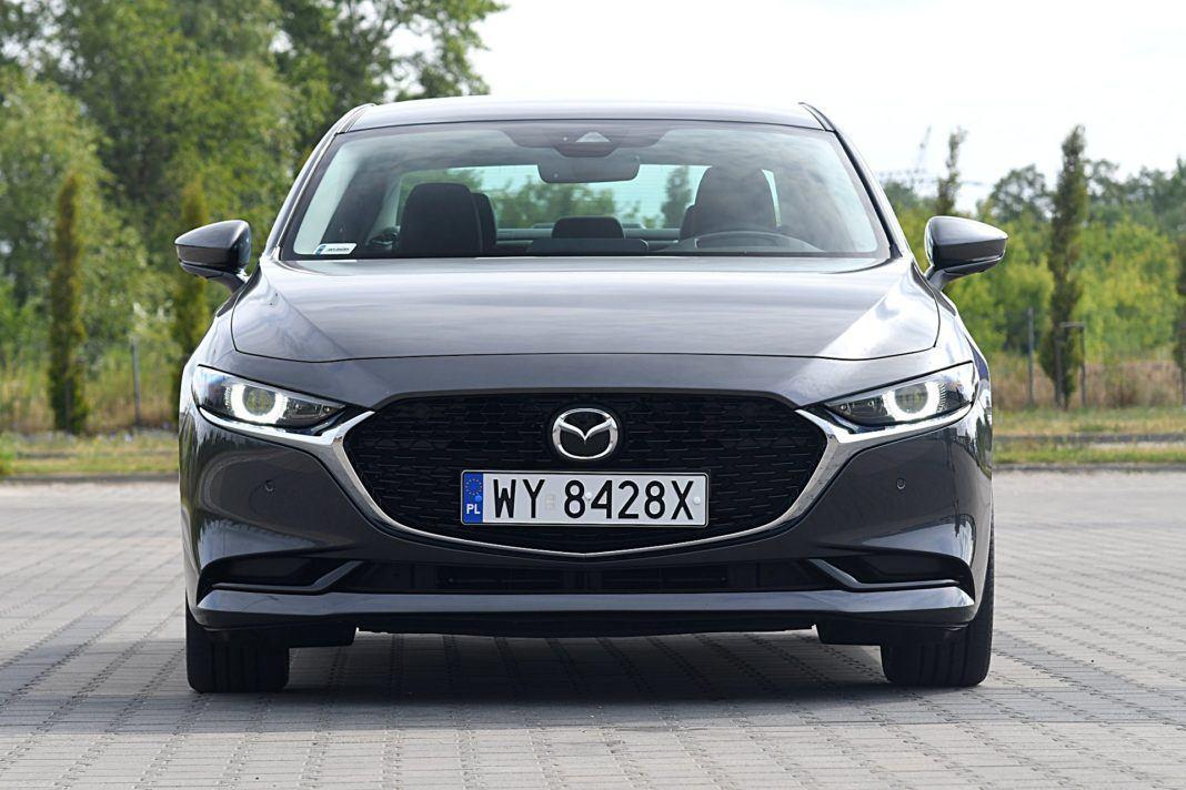 Mazda 3 Sedan – przód