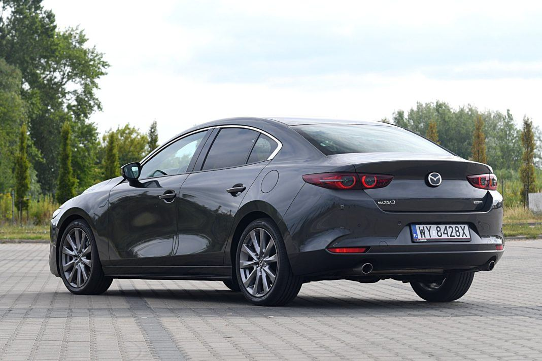 Mazda 3 Sedan – tył