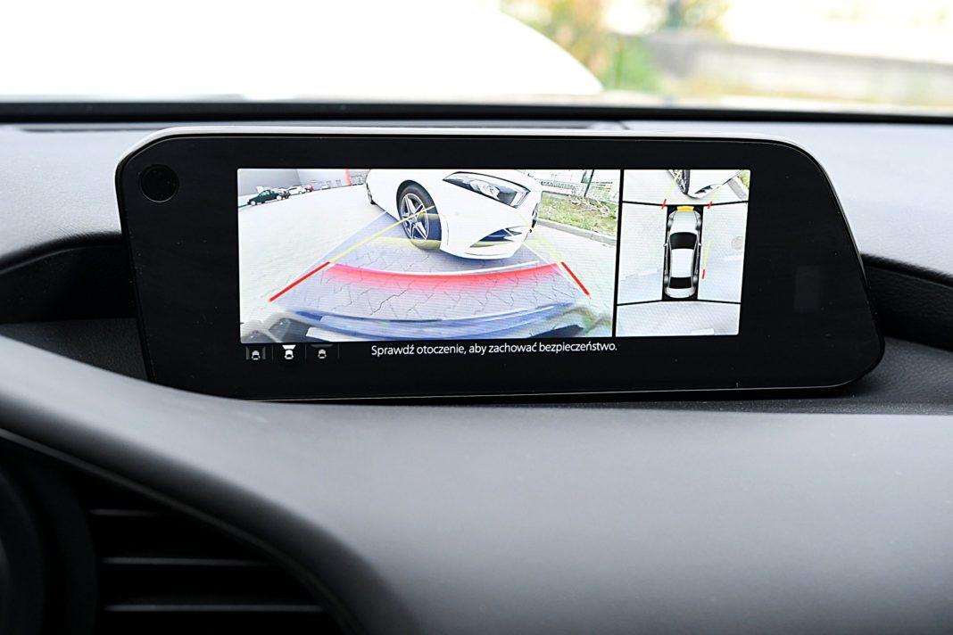 Mazda 3 sedan – kamery 360 stopni