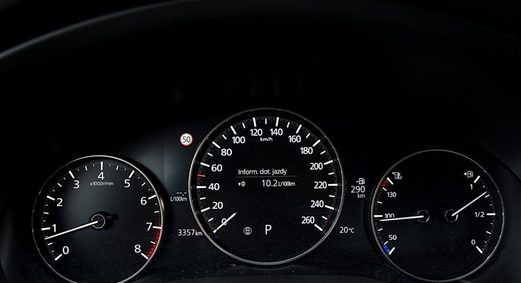 Mazda 3 Sedan – wskaźniki