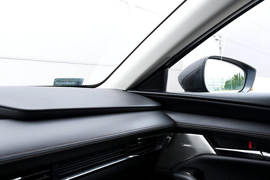 Mazda 3 Sedan – słupek i lusterko