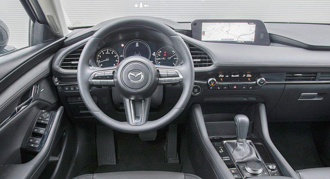 Mazda 3 Sedan – deska rozdzielcza