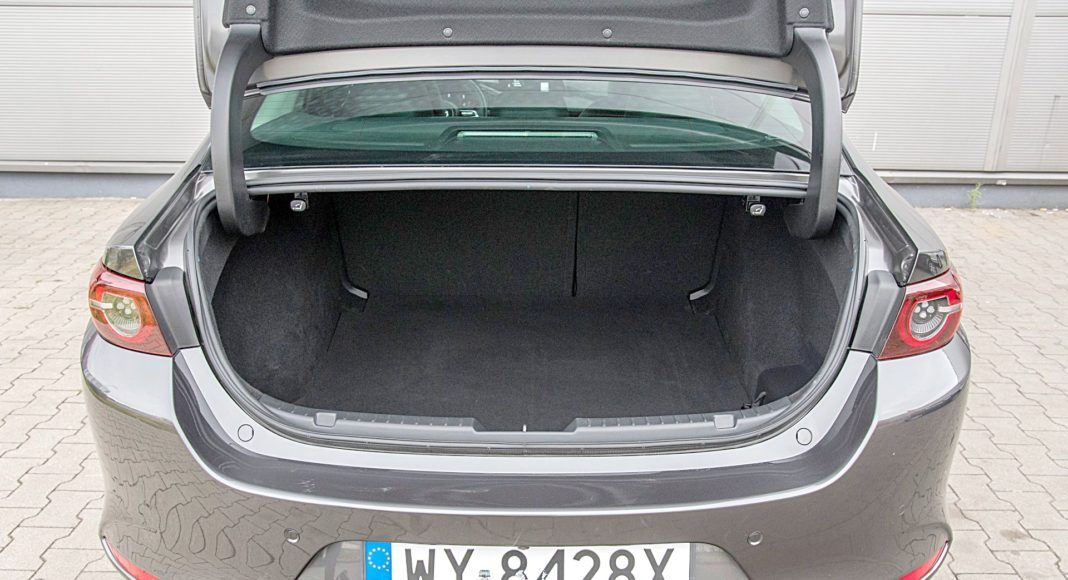 Mazda 3 Sedan – bagażnik