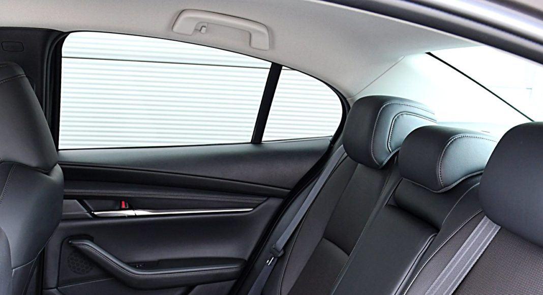 Mazda 3 Sedan – kanapa
