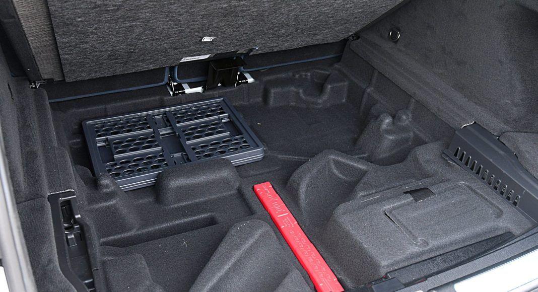 Mercedes EQC 400 4Matic – schowek