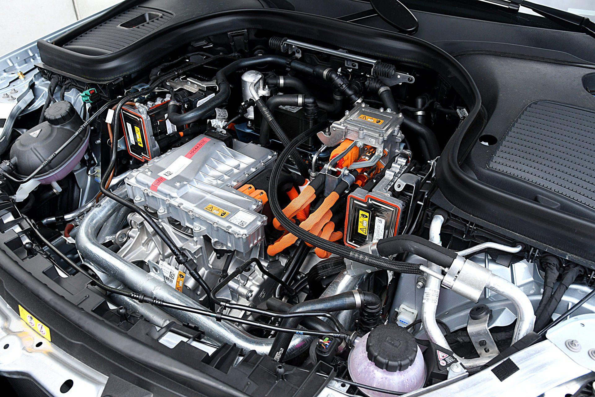 MERCEDES EQC 400 4Matic silnik