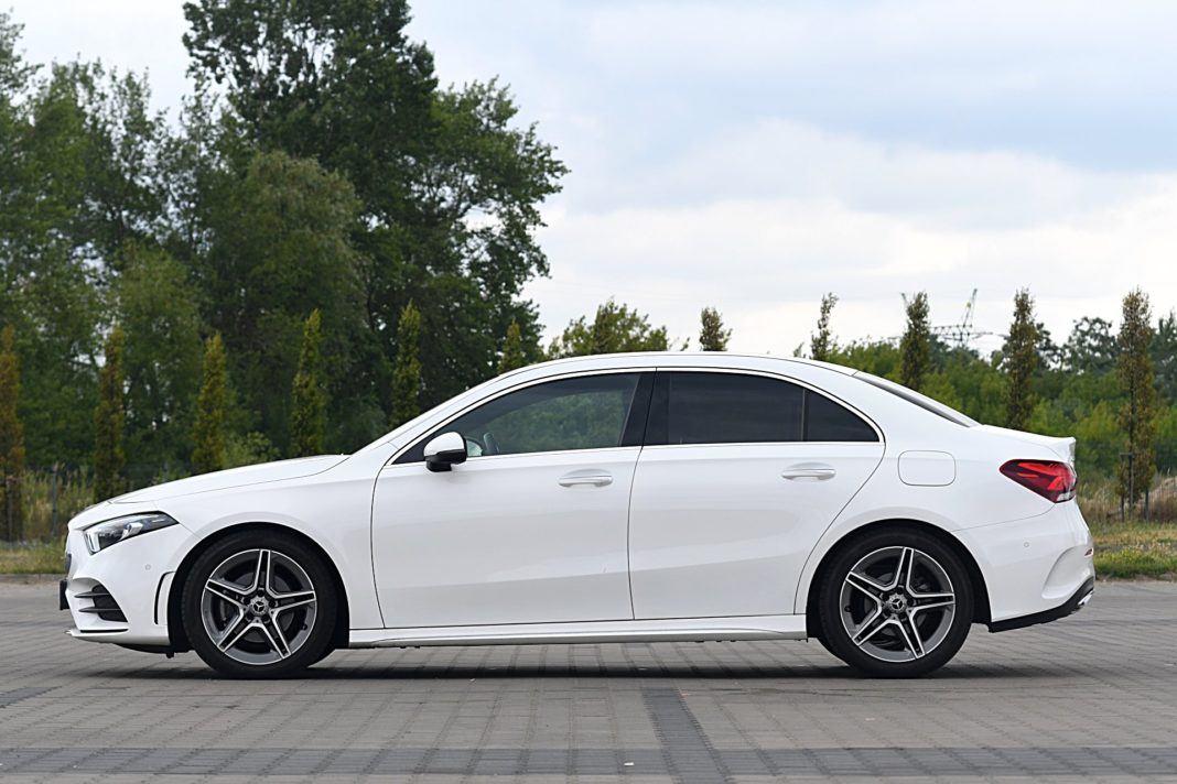 Mercedes klasy A Limuzyna – bok