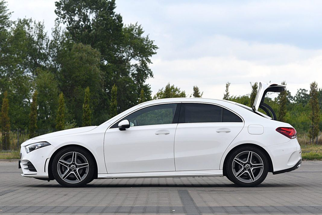 Mercedes klasy A Limuzyna – bok bagażnik