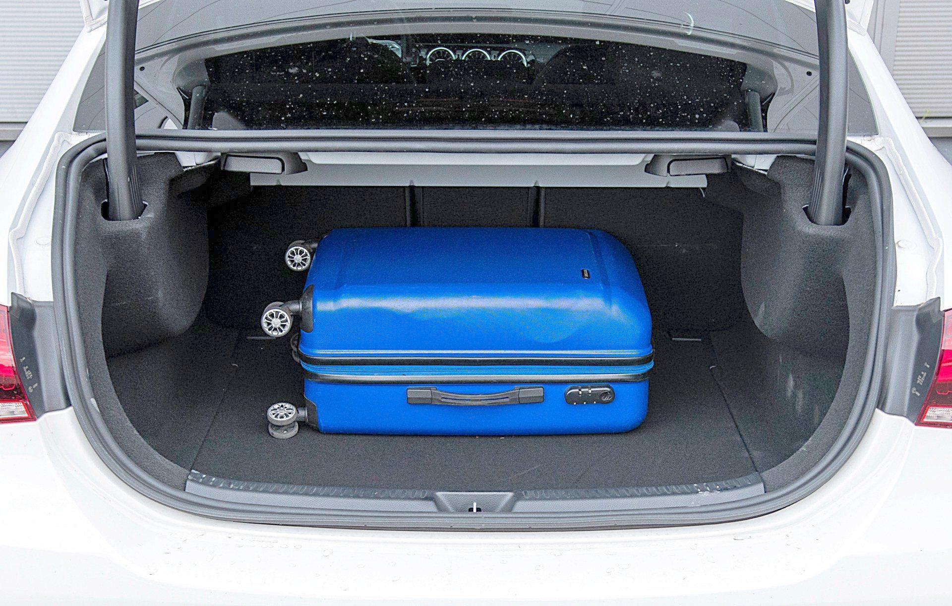 MERCEDES A bagażnik