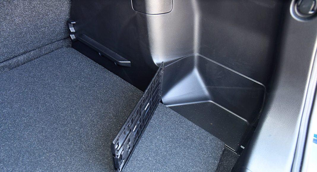 Suzuki SX4 S-Cross – schowek w bagażniku