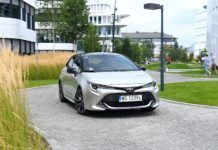 TOYOTA Corolla E21 Selection 1.2T przód