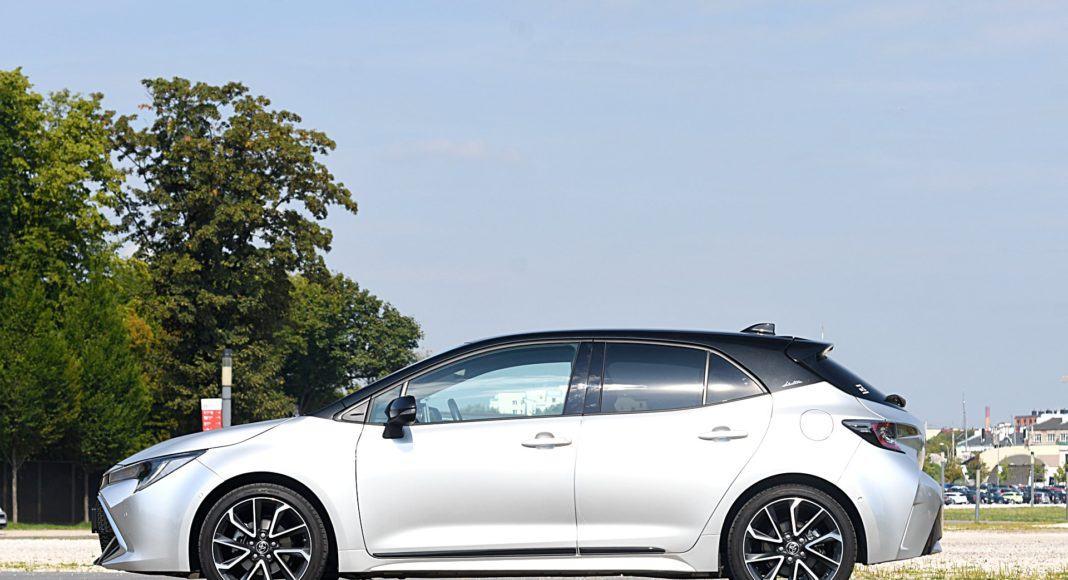 Toyota Corolla – bok