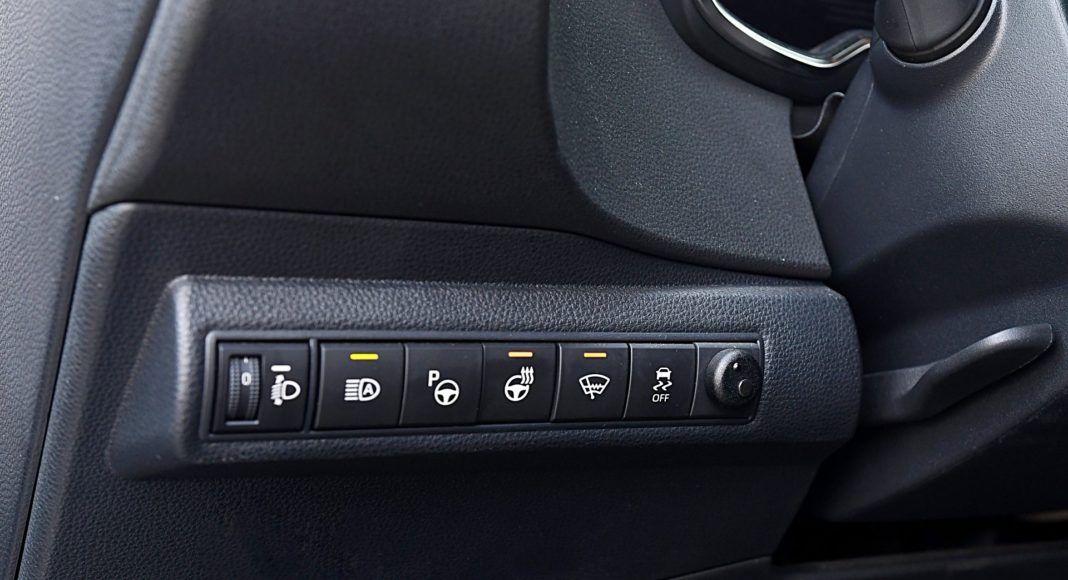 Toyota Corolla – panel sterowania