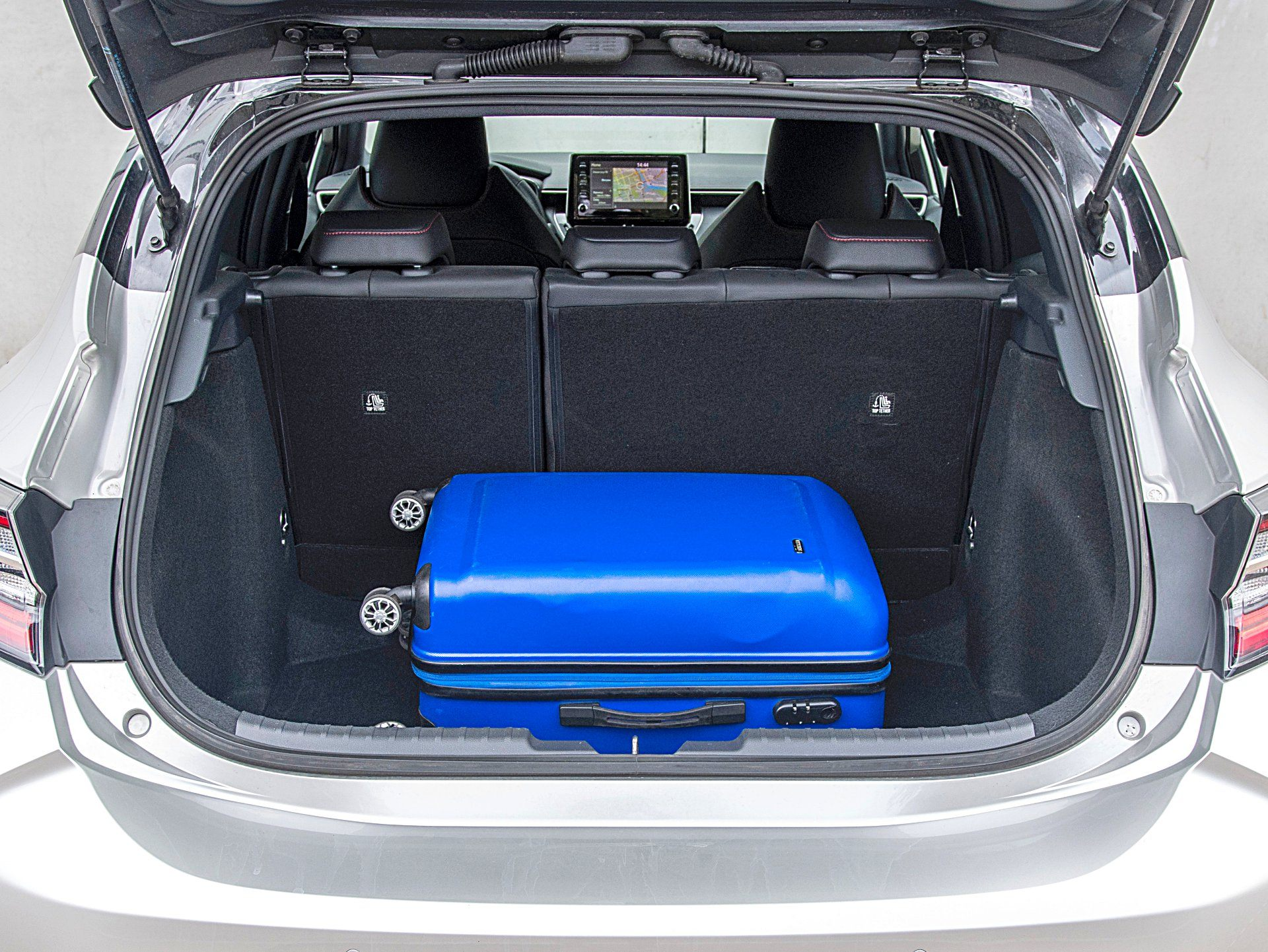 TOYOTA Corolla E21 Selection 1.2T bagażnik
