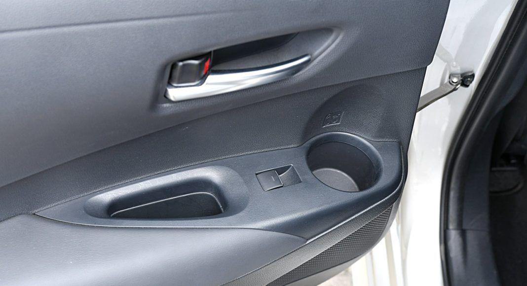 Toyota Corolla – miejsce na napoje