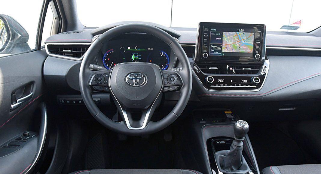 Toyota Corolla – deska rozdzielcza
