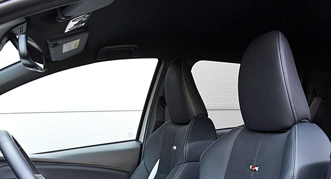 Toyota Yaris Hybrid GR Sport - fotele