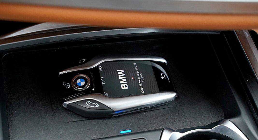 BMW 745Le G12 FL Plug-In Hybrid 3.0T ładowarka indukcyjna