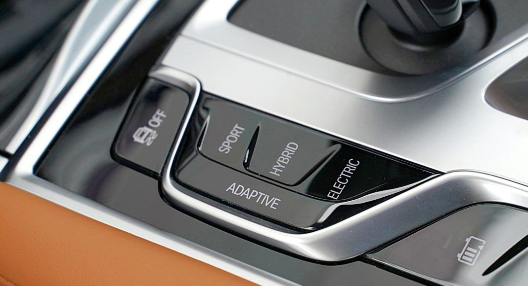BMW 745Le G12 FL Plug-In Hybrid 3.0T tryby jazdy