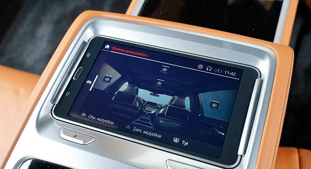 BMW 745Le G12 FL Plug-In Hybrid 3.0T tablet